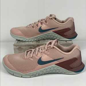 NWT Nike Metcon 4 Particle Beige